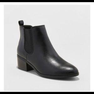 Women's Ellie Chelsea Boots